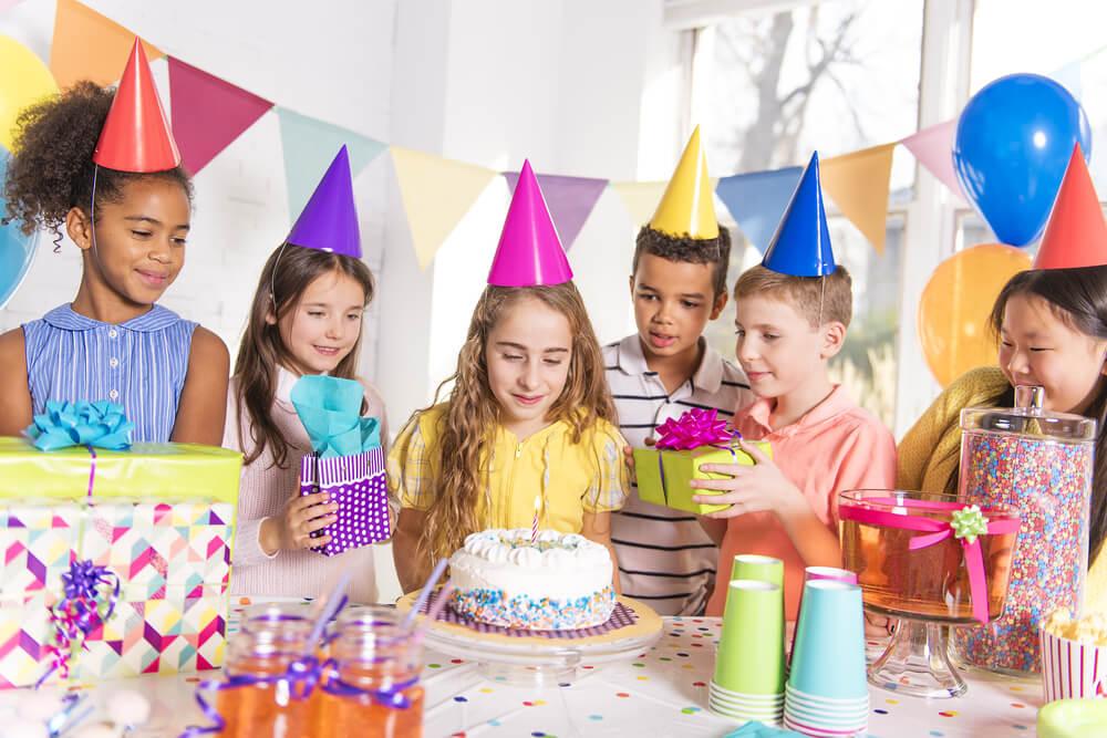 Qual é o melhor horário para fazer uma festa infantil?
